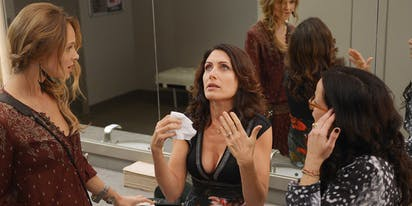 Girlfriends' Guide to Divorce Soundtrack - Complete Song
